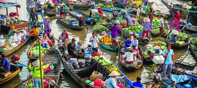 Cai Rang Floating Market (Mekong delta)