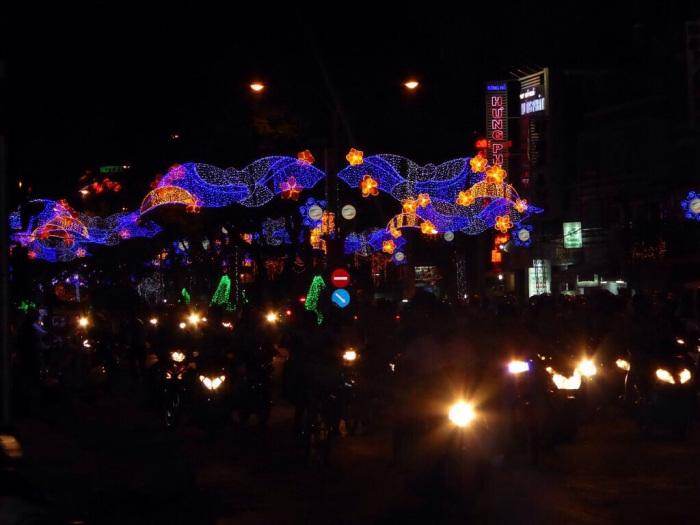 Saigon Christmas lights