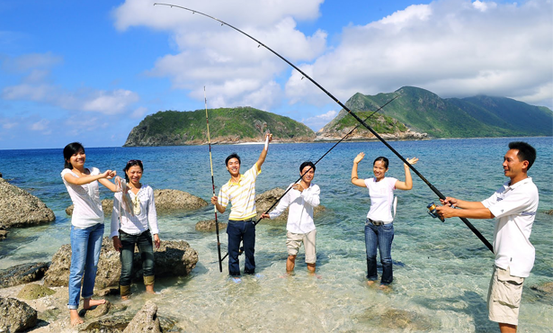 Fishing-in-Con-Dao-Vietnam