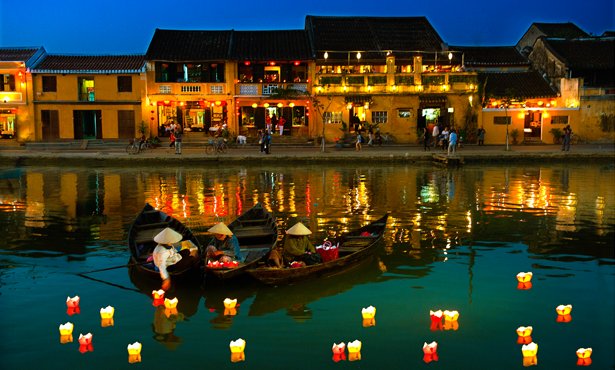 Nightlife-In-Hoi-An