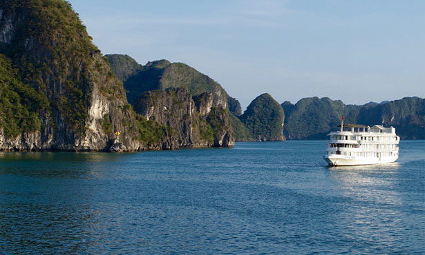 THE REAL BEAUTY OF HANOI - HALONG OVERNIGHT ON JUNK