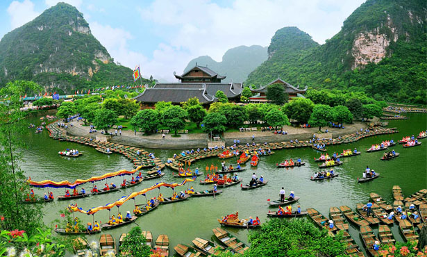 NORTHERN VIETNAM - HANOI - HALONG BAY - NINH BINH
